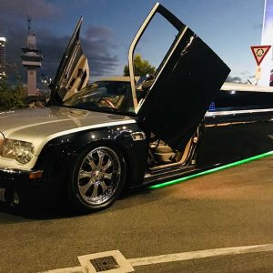 melbourne black chrysler limo hire